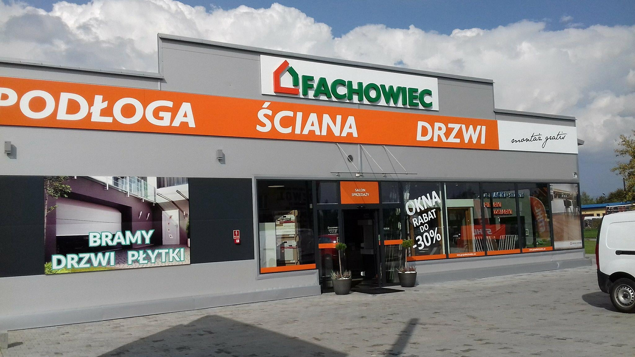 Nowy salon Fachowiec w Ostrowcu Świętokrzyskim zaprasza na zakupy!